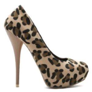 Olio shoes Leopard Platforms